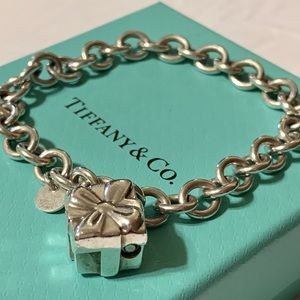 Tiffany & Co. gift box padlock charm bracelet CUTE